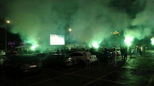 Kocaelispor maçını misli.com yayınladı, taraftarlar maçı araçlarından izlediler