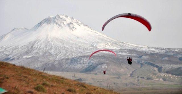 Hasan Dağı nerede? Hasan Dağı özellikleri nedir? Volkanik Hasan dağı tarihi nedir? Hasan Dağı konumu nedir?