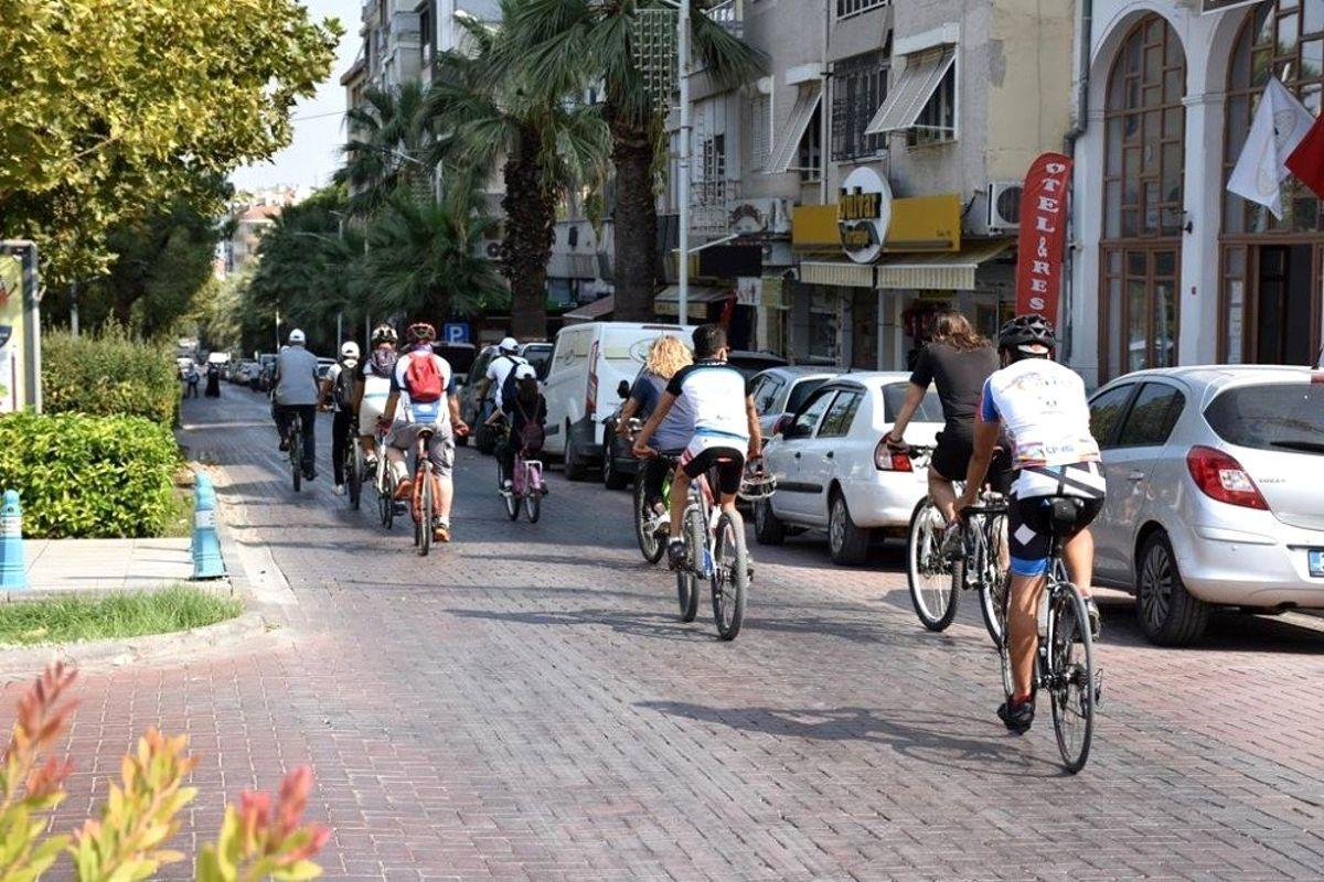 Şehzadeler'de pedallar sağlık için çevrildi
