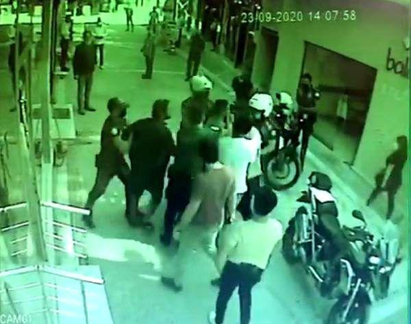 Son dakika! Maske takmayan 2 kardeş, haklarında tutanak tutmak isteyen 2 polisi yaraladı