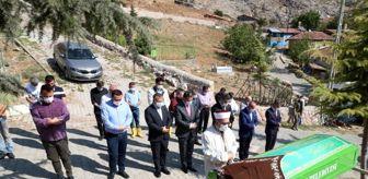 Mahmut Özdemir: Kimsesiz kadını son yolculuğuna protokol uğurladı