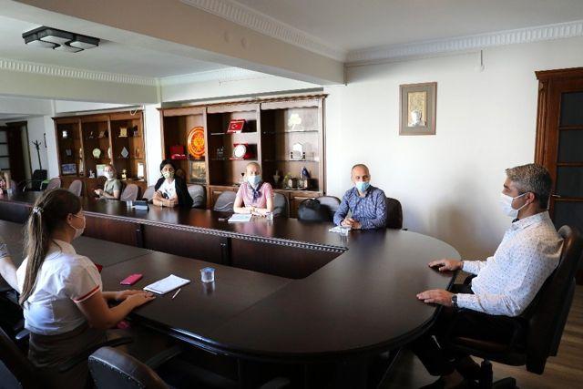 Başkan Oktay, 'Turistlerde kurallara uymalı'
