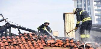 Erhan Üstündağ: Sivas'ta, restoran çatısında yangın
