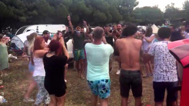 Şile'de koronavirüse aldırış etmeden festival düzenleyen şahıslara ceza yağdı