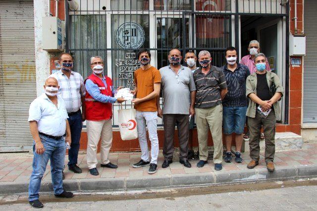 Kızılay'dan işitme engellilere özel 'şeffaf maske'