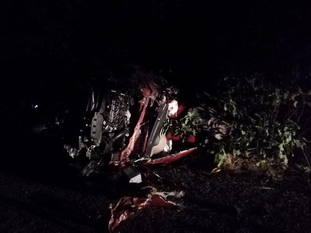 Traktöre arkadan çarpan otomobil takla attı: 2 ölü, 1 yaralı