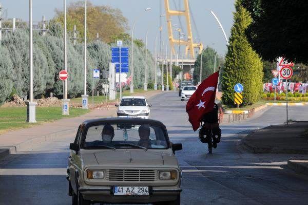Almanya'dan yola çıktı, Türk kültürünü tanıtmak için bisikletiyle ülke ülke geziyor