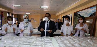 Hozat: Halk eğitim merkezleri Tunceli'de öğrenciler için maske üretimini yoğunlaştırdı