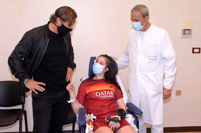 Totti, gönderdiği video ile komadan uyanan Ilenia Matilli'yi ziyaret etti