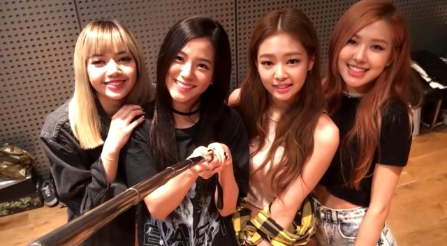 Koreli müzik grubu BLACKPINK'in yeni müzik videosu Lovesick Girls yayınlandı mı? BLACKPINK Dinle! BLACKPINK yeni şarkısı dinle!