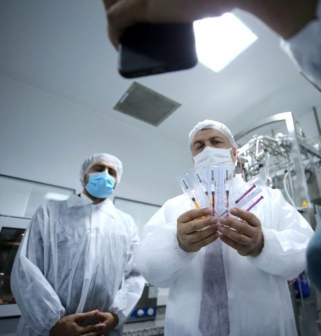 Son Dakika: Yerli koronavirüs aşısında insan üzerinde deneme aşamasına geçildi