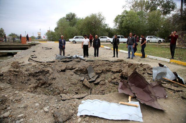 Ermenistan'ın füze saldırısında isabet alan evinin enkazından ailesini elleriyle kazıyarak kurtardı