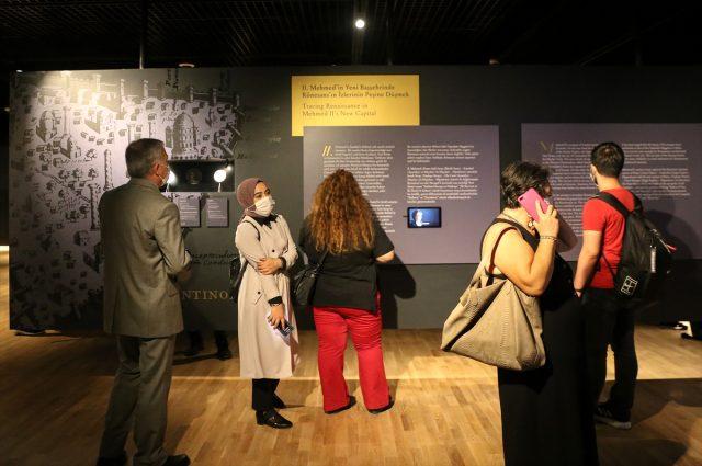 Fatih'in portresi halkın ziyaretine açıldı