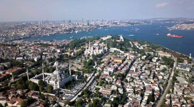 İstanbul'un tarihi yarımadası için tarihi karar: 10 bin binayı ilgilendiren dönüşüm planı kabul edildi