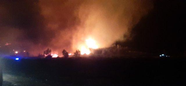 Hatay'ın Belen ilçesinde çıkan orman yangını sürüyor