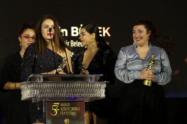 Altın Portakal'ın kazananları belli oldu! 5 ödül alan 'Hayaletler' geceye damgasını vurdu
