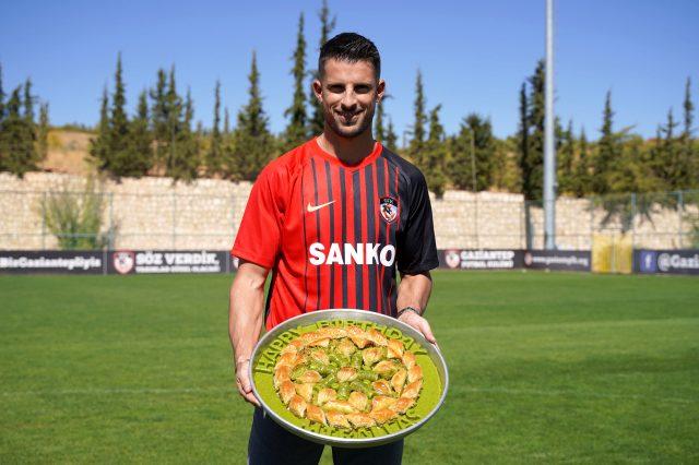 Kevin Mirallas'ın Gaziantep FK'ya transferi, dünyada büyük ses getirdi