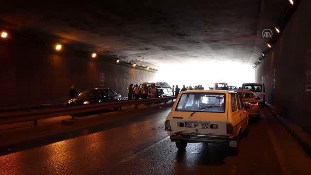 Denizli'de 11 aracın karıştığı kazada 2 kişi yaralandı