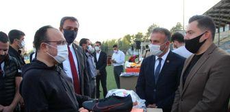 Alacakaya: Elazığ'da 104 spor kulübüne  malzeme yardımı yapıldı