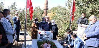 Bitlis: Son dakika haber! Şehit Eren Öztürk, Ahlat'taki kabri başında anıldı