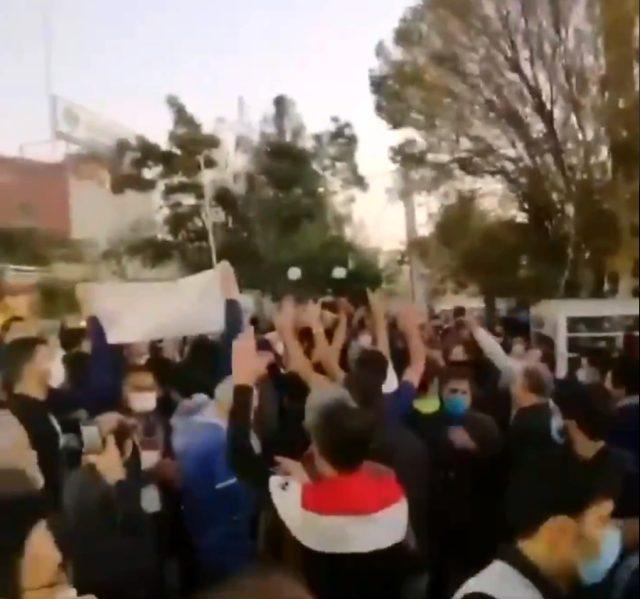 Tebriz'de halk, İran'ın Ermenistan'a desteğini protesto ediyor