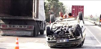 Güllü: Bariyerlere çarpan otomobil devrildi: 4 yaralı