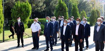 Vali Karaloğlu: Diyarbakır Valisi Karaloğlu muhtarlarla buluştu
