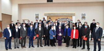 31 Mart: Isparta Belediye Başkanı Başdeğirmen'den muhtarlara plaket