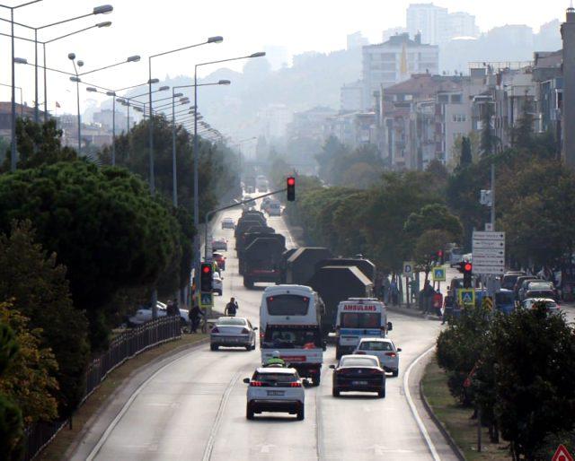Sinop'ta test atışları yapılan S-400'lerin konvoyu Samsun'dan geçerken görüntülendi