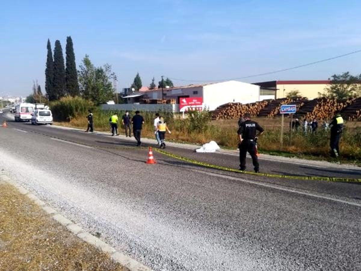 Kara yolu kenarında ceset bulundu; çarpıp kaçan sürücü aranıyor