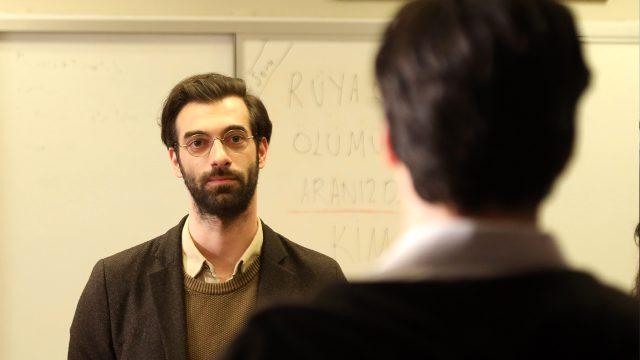 Öğretmen dizisi, 9. bölümle ekran macerasını noktalayacak