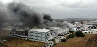 Beylikdüzü: Son dakika haber: Sünger fabrikasındaki yangın drone ile görüntülendi
