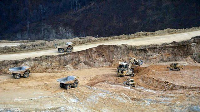 Dağlık Karabağ'da 112 ton altını kaptırmak istemeyen Rus şirket bölgeye silah ve asker yığıyor