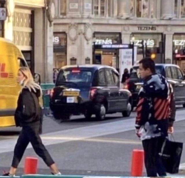 Acun Ilıcalı, kendisinden 30 yaş küçük sevgilisiyle Londra'da görüntülendi