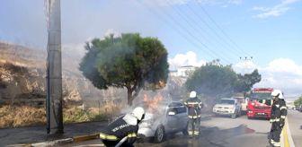 Denizli: Otomobilden çıkan dumanlar yerini alevlere teslim etti
