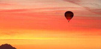 Nevşehir: Kapadokya'da balonların gökyüzünde muhteşem dansı