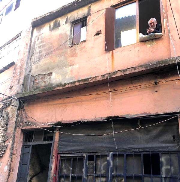 Yatalak haliyle bu işi yapıyor: KOAH hastası uyuşturucu satıcısının evine baskın düzenlendi