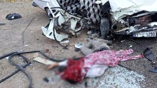 Şanlıurfa'da tır ile otomobil çarpıştı: 2 kişi öldü, 1 kişi yaralandı