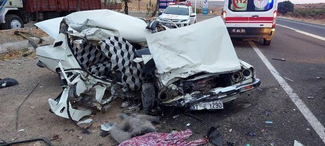 Şanlıurfa'da trafik kazası : 2 ölü, 1 yaralı