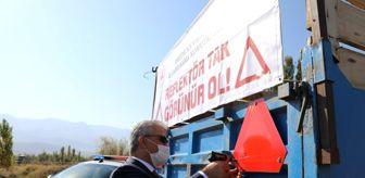 Sivil Toplum Kuruluşu: Son dakika haberi! Erzincan'da kazaları önlemek amacıyla 300 traktöre reflektör dağıtıldı