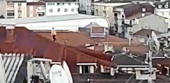 Sultangazi: Son dakika haberi: Çatıya çıkan çocuk yürekleri ağza getirdi