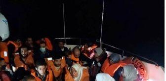 Akyarlar: Yunanistan'ın geri ittiği lastik bottaki 24 göçmen kurtarıldı