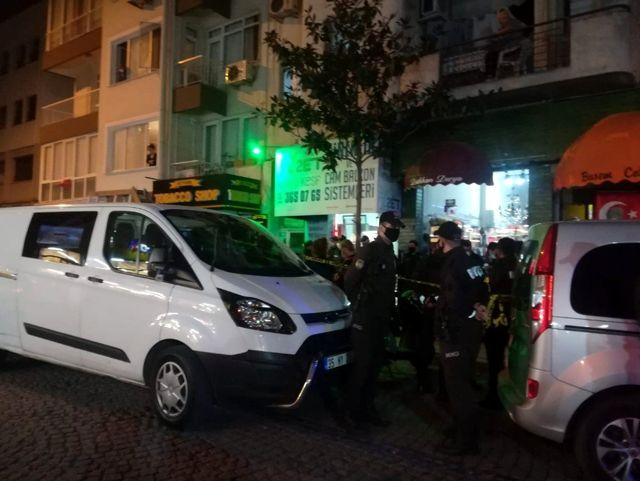 İzmir'de dükkan içerisinde silahlı saldırıya uğrayan kişi yaşamını yitirdi