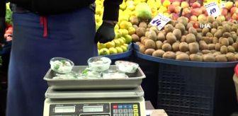 Reşit Polat: 3 erik 40, kilosu 800 liraya satılıyor