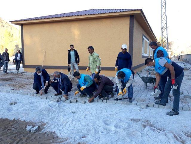 Çaldıran Belediyesi 40 okulda onarım çalışması yaptı