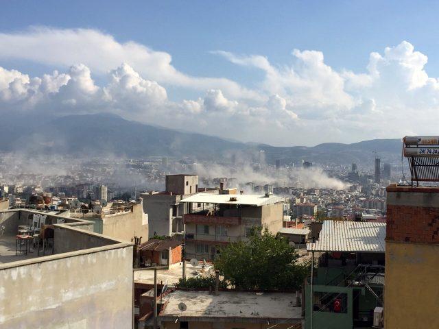 Son Dakika: İzmir'de 6.6 büyüklüğünde deprem meydana geldi