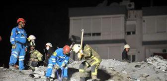 Kütahya: Emrah Apartmanı'nın enkazında 22 kişiyi arama- kurtarma çalışmaları sürüyor (2)