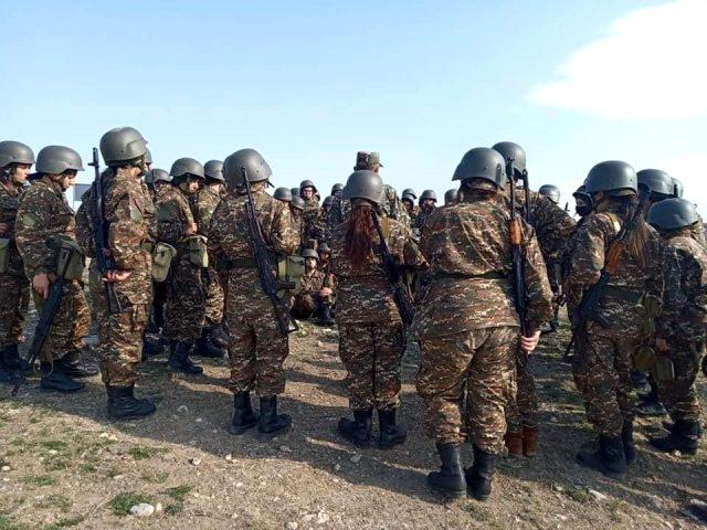 Ermenistan ordusu kadın askerleri Dağlık Karabağ cephesine gönderdi