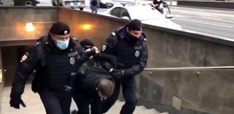 Gözaltı: - Rusya'daki Müslümanlardan Fransa karşıtı protesto