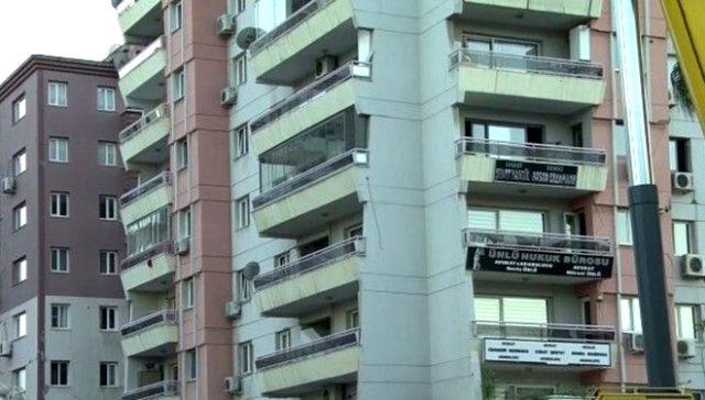 Rıza Bey Apartmanı enkazındaki arama kurtarma çalışmasına, yanındaki binanın çökme tehlikesi nedeniyle ara verildi
